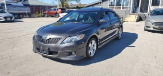 Used 2011 Toyota Camry SE 6pd Auto for sale in Burlington, ON