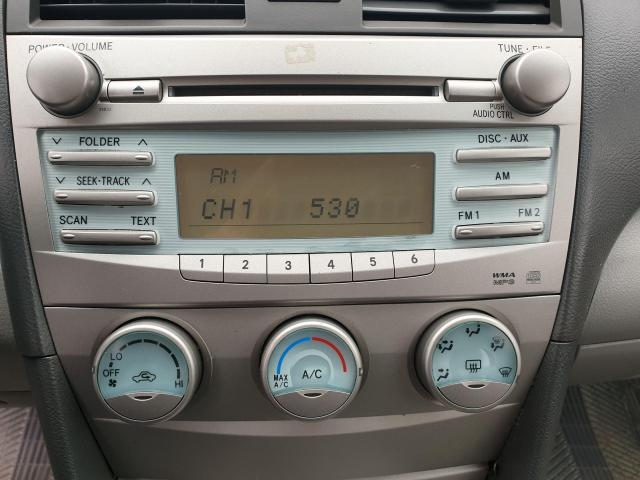 2009 Toyota Camry LE Photo14