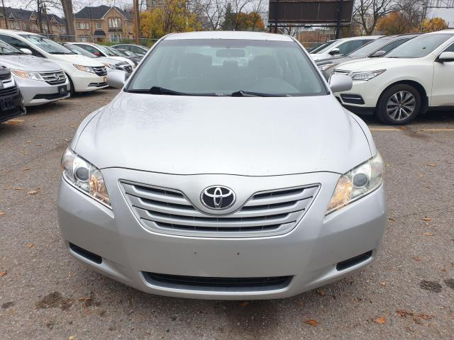2009 Toyota Camry LE Photo2