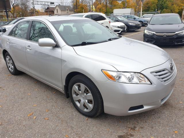 2009 Toyota Camry LE Photo3