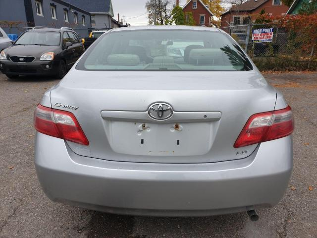 2009 Toyota Camry LE Photo6