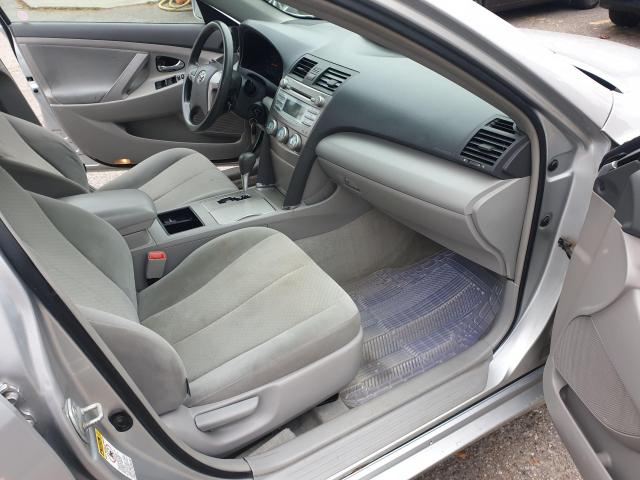 2009 Toyota Camry LE Photo10
