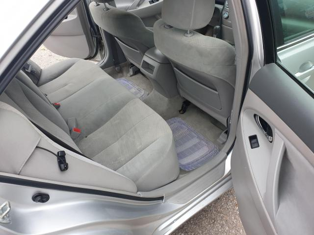 2009 Toyota Camry LE Photo11