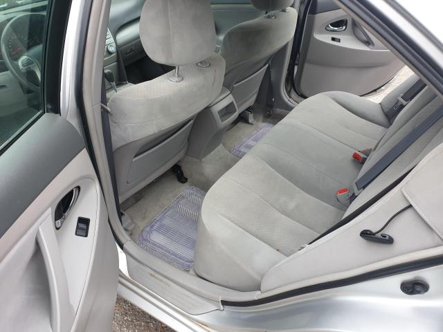 2009 Toyota Camry LE Photo12
