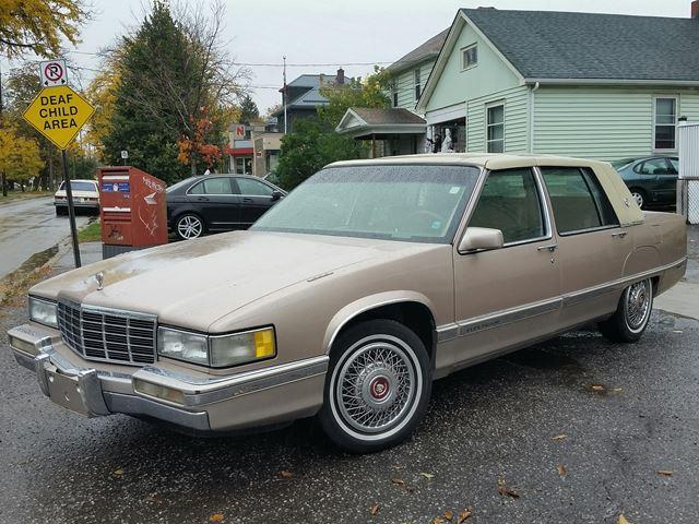 1991 Cadillac Fleetwood D'Elegance Locally Owned Extra Clean a True Classic!!!