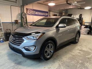 Used 2016 Hyundai Santa Fe XL FWD 4dr 3.3L Auto for sale in Kingston, ON