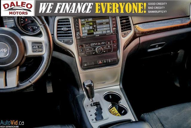 2012 Jeep Grand Cherokee Laredo / 4WD / LEATHER / PANO / HEATED SEATS Photo16