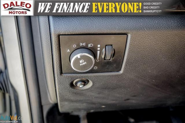 2012 Jeep Grand Cherokee Laredo / 4WD / LEATHER / PANO / HEATED SEATS Photo20