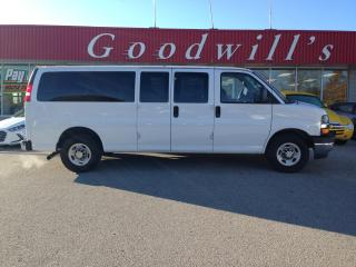 Used 2018 Chevrolet Express 1500 LT! 15 PASS! CLEAN CARFAX! BACKUP CAMERA! for sale in Aylmer, ON