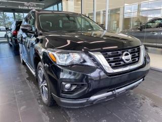 Used 2017 Nissan Pathfinder Platinum 4WD, POWER HEATED/VENTED LEATHER SEATS, HEATED STEERING WHEEL, NAVI for sale in Edmonton, AB