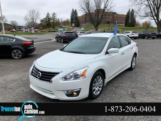 Used 2015 Nissan Altima Berline 4 portes I4, CVT, 2,5 S for sale in Shawinigan, QC
