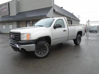 Used 2011 GMC Sierra 1500 4 RM, Cabine ordinaire, 133,0 po, WT for sale in Mirabel, QC
