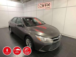 Used 2017 Toyota Camry HYBRIDE - LE for sale in Québec, QC