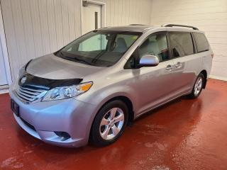 Used 2017 Toyota Sienna LE for sale in Pembroke, ON