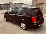 Photo of Black 2016 Dodge Grand Caravan