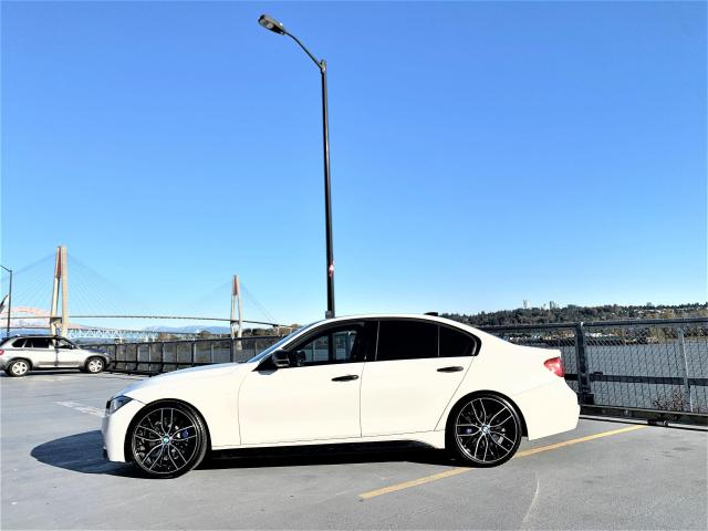 "2013 BMW 3 Series 335i xDrive 20"" M-SPORT WHEELS"