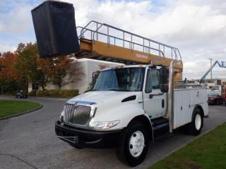 Used 2008 International 4300 Bucket Truck Diesel Air Brakes for sale in Burnaby, BC