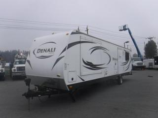 Used 2014 Dutchmen Denali 287RE Travel Trailer (3 Slide Outs) for sale in Burnaby, BC