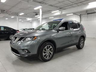 Used 2015 Nissan Rogue SL AWD - TECH + CUIR + GPS + TOIT PANORAMIQUE !!! for sale in St-Eustache, QC