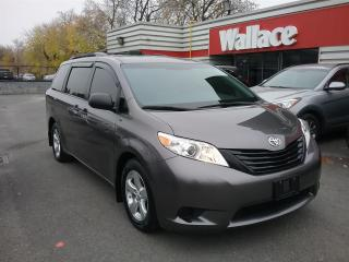 Used 2015 Toyota Sienna FWD 7-Passenger V6 for sale in Ottawa, ON