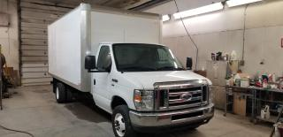 Used 2016 Ford Econoline E-450 2016 Ford E-Series Van E-450 cube for sale in Kitchener, ON