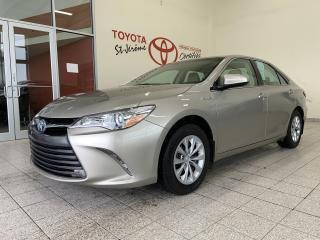 Used 2017 Toyota Camry HYBRID * HYBRID * GR ELECT * CAMERA DE RECUL * 32 000 KMS for sale in Mirabel, QC