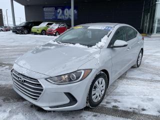 Used 2017 Hyundai Elantra LE,A/C,BLUETOOTH,VITRES ÉLECTRIQUES,BANCS CHAUFF for sale in Mirabel, QC