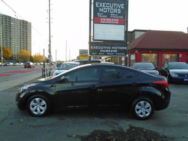 2013 Hyundai Elantra L/ 5 SPD MANUAL/ LOW KM / LIKE NEW / EXTRA CLEAN /
