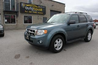 Used 2012 Ford Escape XLT/ 4WD / LEATHER / HEATED SEATS / V6 for sale in Newmarket, ON