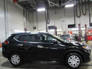 Used 2017 Nissan Rogue SV AWD TOIT*MAIN LIBRE*CAMÉRA for sale in Lévis, QC