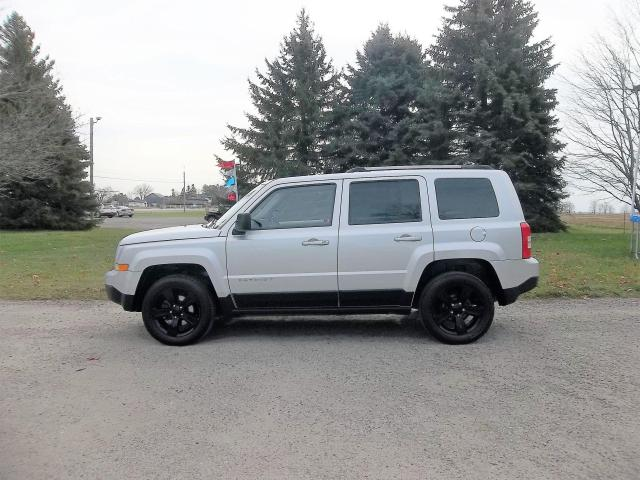 2013 Jeep Patriot SPORT 4WD- 1 OWNER