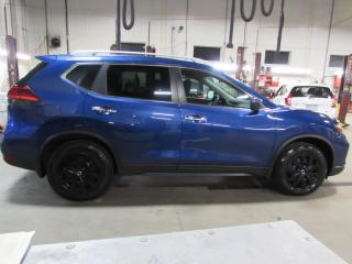 Used 2017 Nissan Rogue SV TECH AWD TOIT*CAMÉRAS*GPS for sale in Lévis, QC