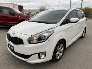 Used 2014 Kia Rondo FX for sale in Oakville, ON