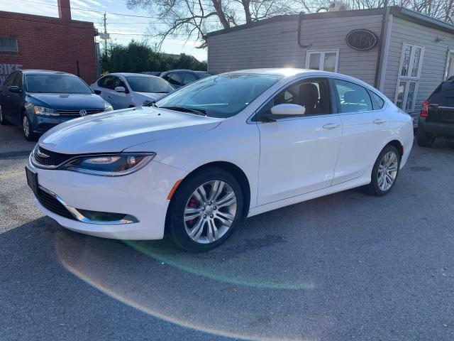 2015 Chrysler 200 Limited 1 OWNER. Financing Available!
