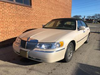 Used 2001 Lincoln Town Car Cartier/ LOW KM 139 K KM/NO ACCIDENTS FULL SERVICE for sale in Oakville, ON