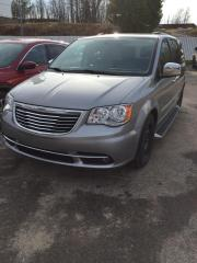 Used 2015 Chrysler Town & Country PREMIUM for sale in North Bay, ON