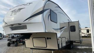 Used 2018 Keystone Hideout 299RLDS for sale in Tilbury, ON