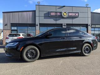 Used 2015 Chrysler 200 4dr Sdn S FWD for sale in Thunder Bay, ON