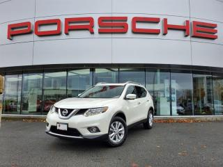 Used 2015 Nissan Rogue SV AWD CVT for sale in Langley City, BC