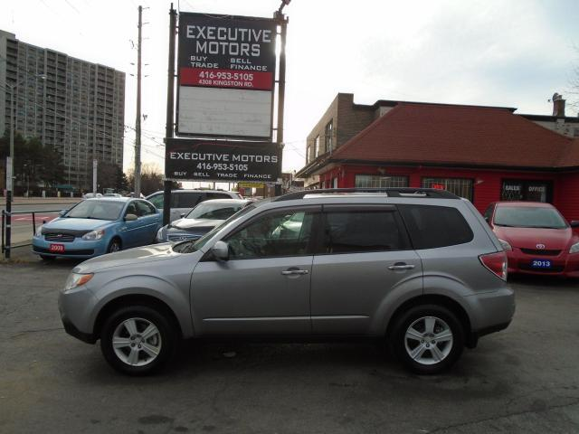 2010 Subaru Forester X / AWD / SUNROOF / ALLOYS / LIKE NEW / CLEAN