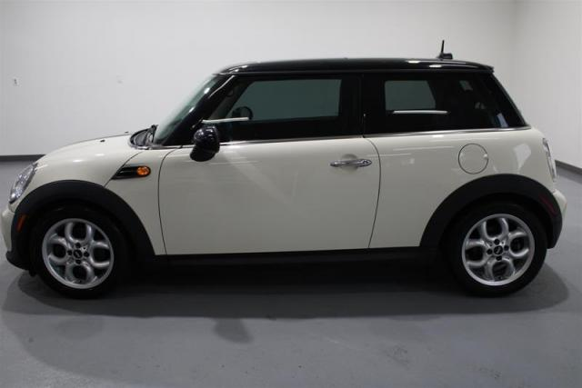 2013 MINI Hardtop WE APPROVE ALL CREDIT