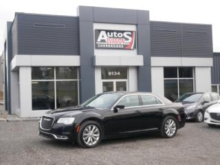 Used 2017 Chrysler 300 Touring AWD + GPS + CUIR + TOIT PANORAMIQUE for sale in Sherbrooke, QC