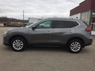 Used 2017 Nissan Rogue SV/AWD/REMOTE STAR/HEATED SEAT/BACK-UP CAM for sale in Guelph, ON