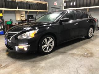 Used 2013 Nissan Altima SV * Sunroof * Remote start * Back up camera * Heated front seats * Nissan connect * Hands free steering wheel controls * Phone connect * Voice recogn for sale in Cambridge, ON