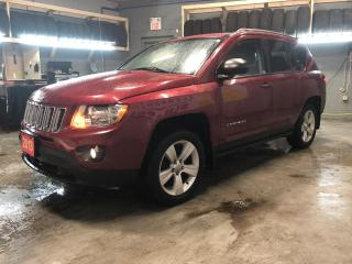 Used 2013 Jeep Compass North 4WD * Power Sunroof * Phone Connect * Reverse camera with park assist * Keyless entry * Climate control * Hands free steering wheel controls * for sale in Cambridge, ON