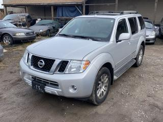 Used 2011 Nissan Pathfinder LE for sale in Hamilton, ON