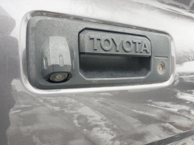 2016 Toyota Tacoma SR5 Photo17
