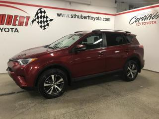Used 2018 Toyota RAV4 AWD LE for sale in St-Hubert, QC