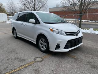 Used 2018 Toyota Sienna LE / 8 PASS for sale in North York, ON