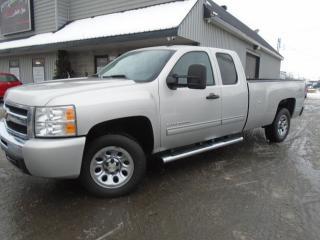 Used 2011 Chevrolet Silverado 1500 4 RM, Cabine allongée, 157,5 po, LT for sale in Mirabel, QC
